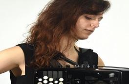 Julia Sinoimeiri (accordéon)